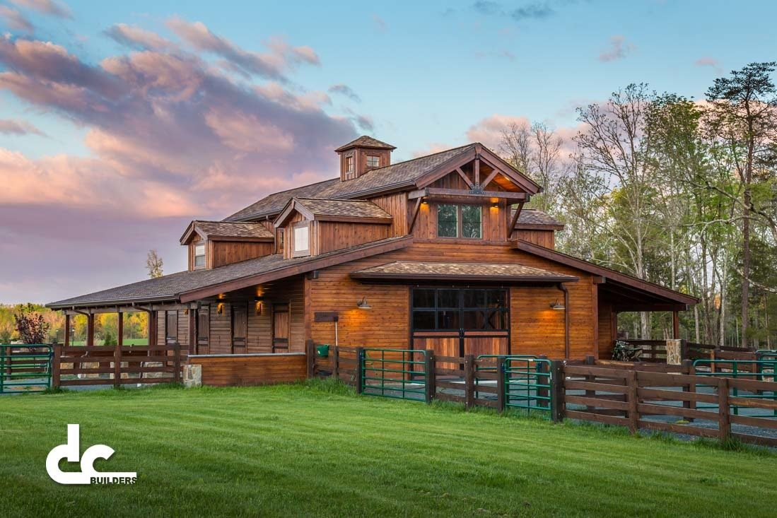 Tennessee barn builders dc builders for Homes with barns